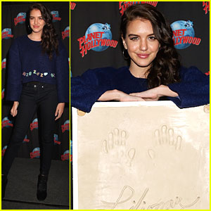 Lilimar Meets 'Bella & The Bulldogs' Fans in NYC