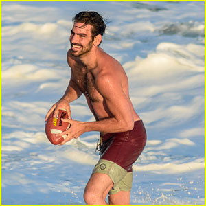 Nyle DiMarco Catches Fan Taking Pictures Of Him on Vacation; Rewards Her In Best Way