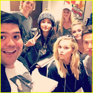 Ross Lynch, Olivia Holt & More Kick Off 'Status Update' First Table Read!