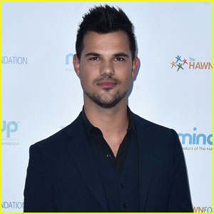 Taylor Lautner Lands Doctor Role on Scream Queens' Second Season!
