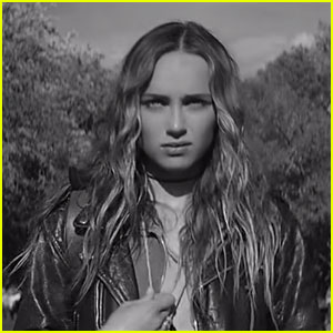 Zella Day Debuts 'Mustang Kids' Music Video - Watch Now!