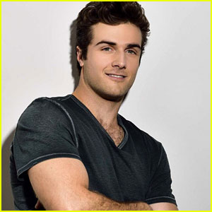 Beau Mirchoff Joins Nina Dobrev in 'Flatliners'
