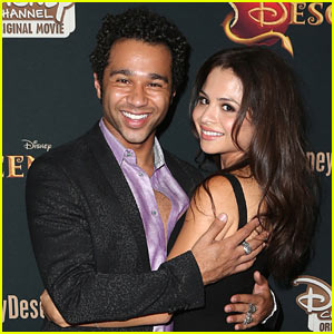 Corbin Bleu & Sasha Clements: Just Married!
