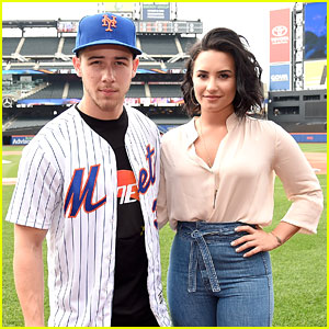 Nick Jonas & Demi Lovato Play Ball at Citi Field Ahead of Mets Game