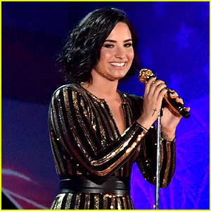 Demi Lovato Pays Tribute to Prince on 4th of July! (Video)