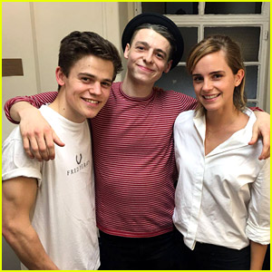 Emma Watson Sees 'Cursed Child,' Writes Rave Review!