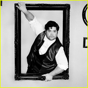 Harvey Guillen Joins Syfy's 'The Magicians' Season Two!