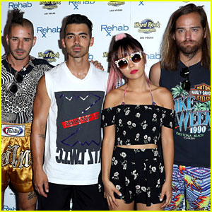 Joe Jonas & DNCE Have Fun at Vegas Pool Party!