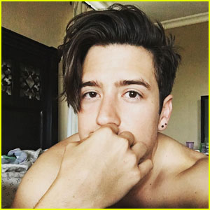 Logan Henderson Shows Off His Bare Butt in Fourth of July Photo!