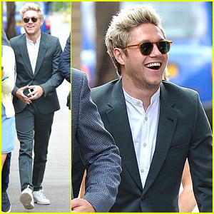 Niall Horan Goes Green at Wimbledon!