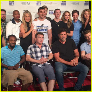 'One Tree Hill' Cast Reunites for Annual Wilmington Convention, Sings the Theme Song (Video)