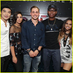 Becky G & Power Rangers Cast Take Over Comic-Con 2016 - See All The Pics!