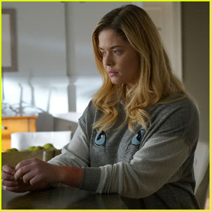 Jenna Returns to Rosewood Tonight on 'Pretty Little Liars'