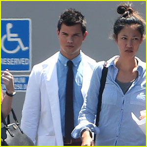 Taylor Lautner Gets Into Character for 'Scream Queens' Season 2