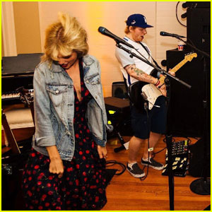 Taylor Swift Covered a Britney Spears Song With Ed Sheeran at Her July 4th Party!