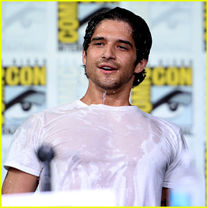 Tyler Posey Drenches Himself with Water at Comic-Con! (Video)