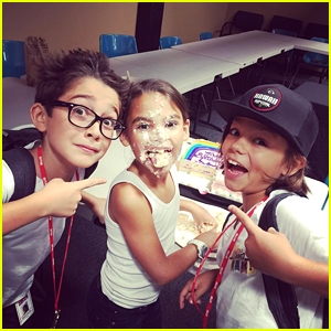Ariana Greenblatt Celebrates 9th Birthday on 'Stuck In The Middle' Set