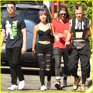 DNCE Recruit Celebs For 'I'm With Them' VMA Voting Campaign on Twitter