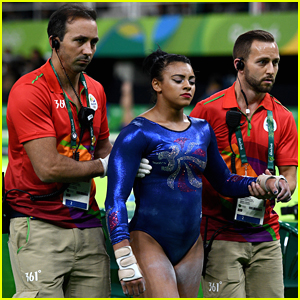 Team GB's Gymnast Elissa Downie Falls on Neck during Floor Qualification in Rio