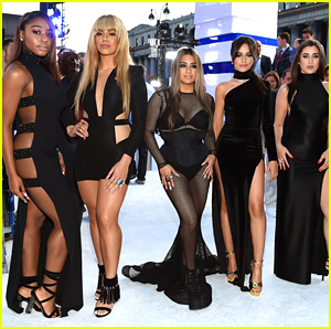 Fifth Harmony Take Home the First Award of the Night at the 2016 VMAs!