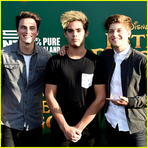 Forever in Your Mind & More Disney Stars Attend 'Pete's Dragon' Premiere!