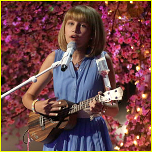 America's Got Talent's Grace VanderWaal Performs 'Beautiful Thing' for Live Shows (Video)
