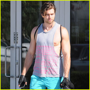 Pierson Fode Officiates a Wedding!