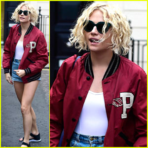 Pixie Lott Gets Back to Work After Attending V Festival With Oliver Cheshire