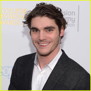 'Breaking Bad's RJ Mitte Hopes for Greater Media Representaion of People With Disabilities