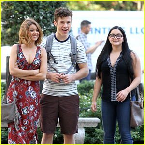 Sarah Hyland, Ariel Winter & Nolan Gould Head to NYC For 'Modern Family'