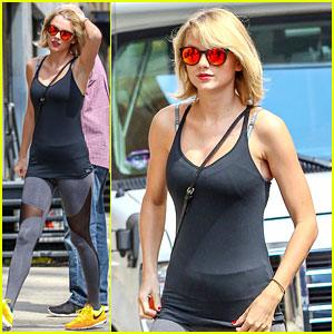Taylor Swift Kicks Off Weekend at the Gym!