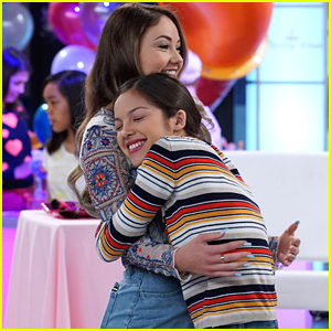 Paige & Frankie Meet YouTube Star Meredith Foster on 'Bizaardvark'