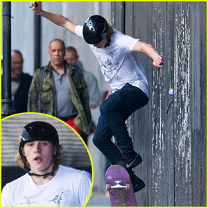 Brooklyn Beckham Has Some Sweet Skateboard Skills!