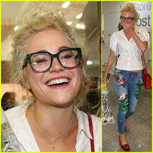 Pixie Lott Almost Cries with Happiness When She Arrives in Brazil