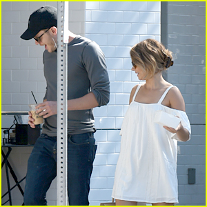 Sarah Hyland & Dominic Sherwood Grab Breakfast Ahead of More Emmy Parties