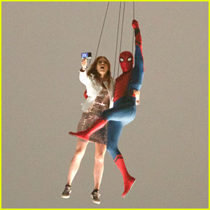 'Spider-Man: Homecoming' Stunt Doubles Film Amazing Helicopter Scene!