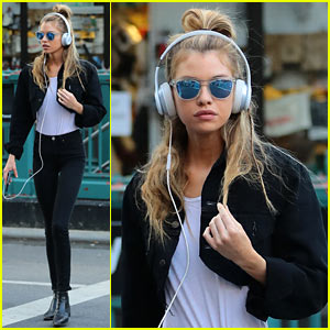 Stella Maxwell Spends Her Saturday Practicing Yoga Instead of Going Out!