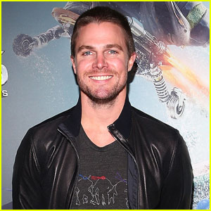 Arrow's Stephen Amell May Compete on 'American Ninja Warrior' Next Year!
