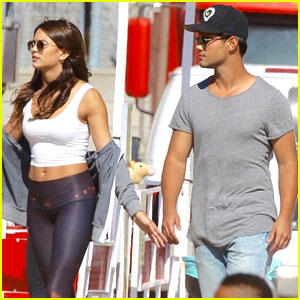 Taylor Lautner Seen Out with Model Kyra Santoro!