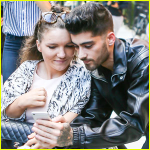 Zayn Malik is Fan-Friendly in the Big Apple!