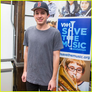 Charlie Puth Visits Students at School in Boston!