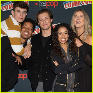 Hayes Grier & 'Freakish' Cast Hit Up NYCC 2016