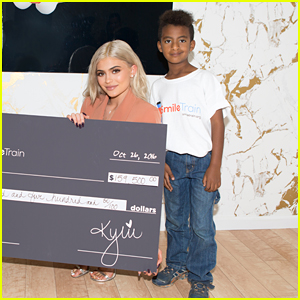 Kylie Jenner Warns Fans About Fake Kylie Cosmetics Sellers Online