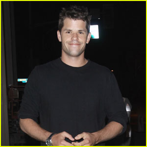 Max Carver Grabs Dinner While Gearing Up for New MTV Show 'Blooms'