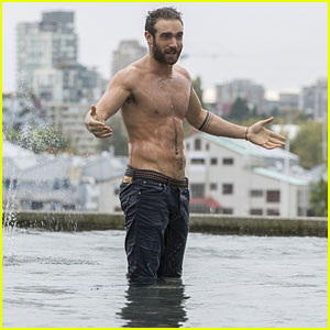Xavier Gets Shirtless on Tonight's 'No Tomorrow'