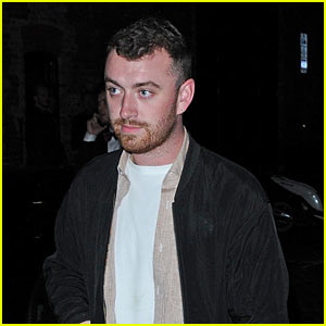 Sam Smith Keeps it Casual While Grabbing Some Grub in London