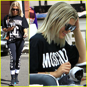 Sofia Richie Gets a Mani-Pedi with Her New (Fashionably Dressed) Pup!