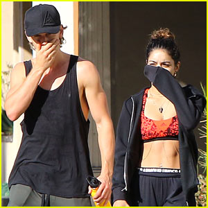 Vanessa Hudgens Checked Out CreepLA With Boyfriend Austin Butler!