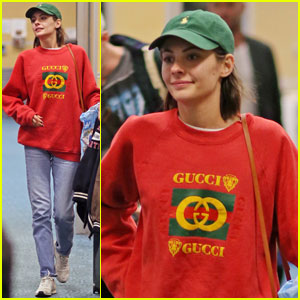 Willa Holland Flies to Vancouver With Her 'Arrow' Crew!