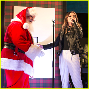 Singer Daya Kisses Santa at Free LA Concert!